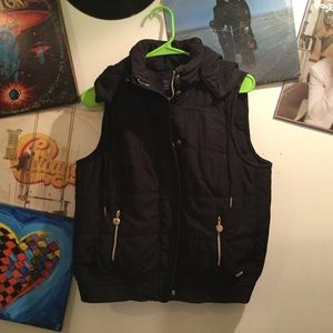 CALVIN KLEIN HOODED INSULATED VEST M